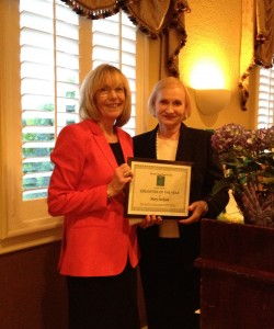 Milly Bergman presents AAUW Fort Bend 2012 Educator of the Year award to Dr. Mary Jackson